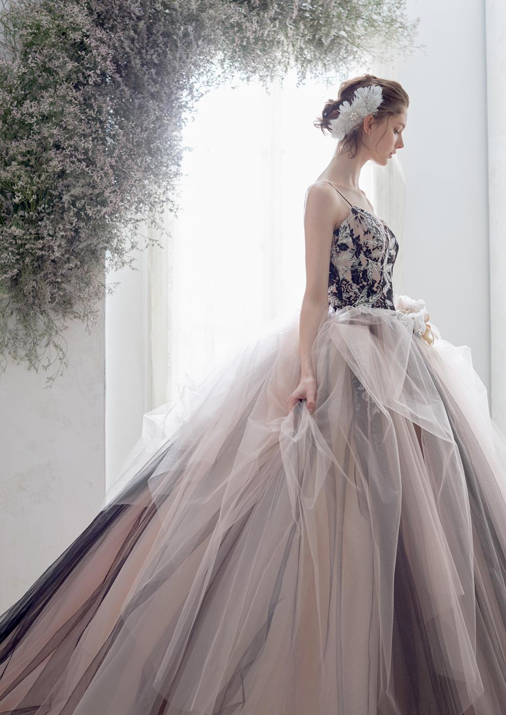 ワンランク上のこだわりのラグジュリアスカラードレス