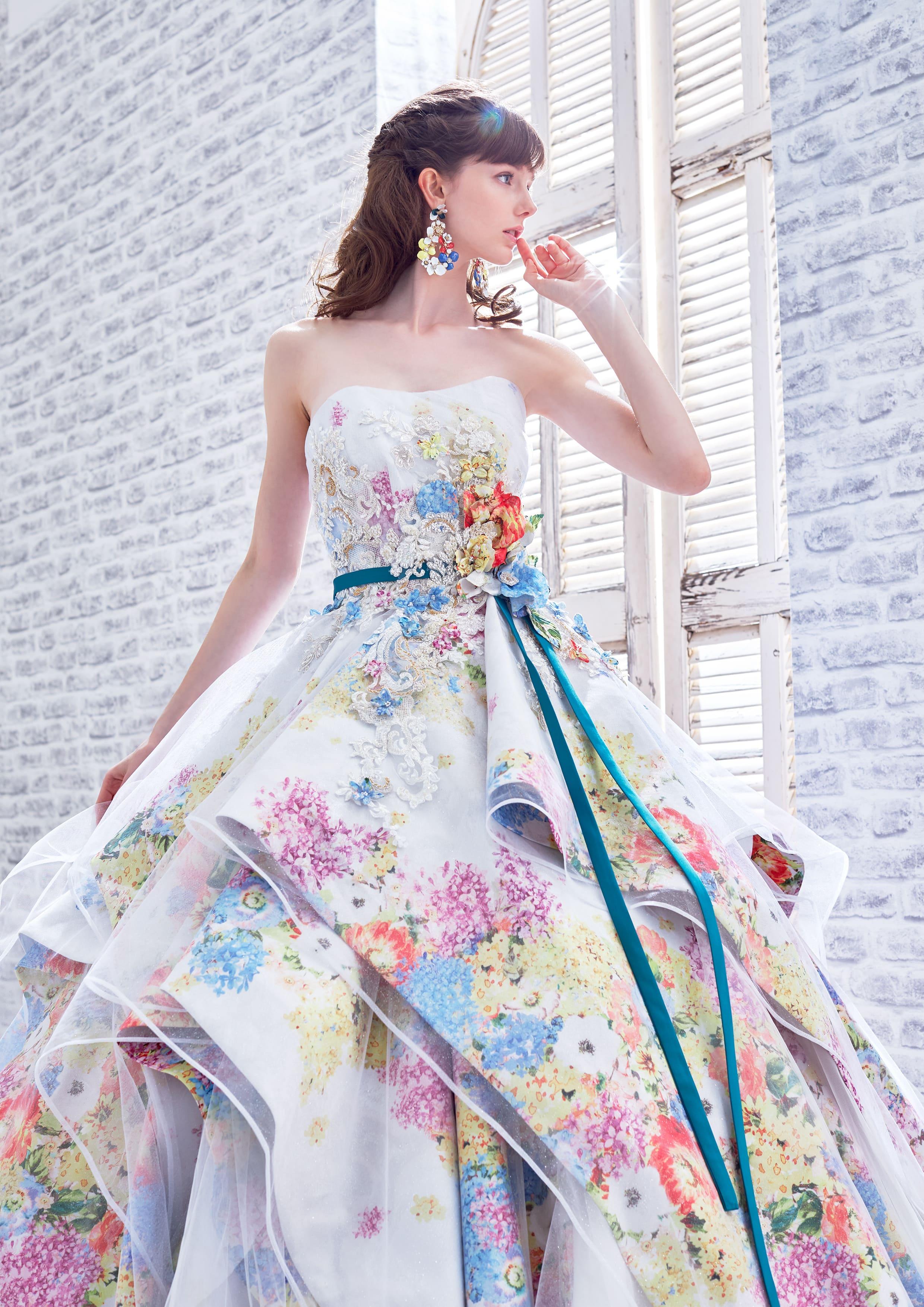 華やかなウェディングドレス