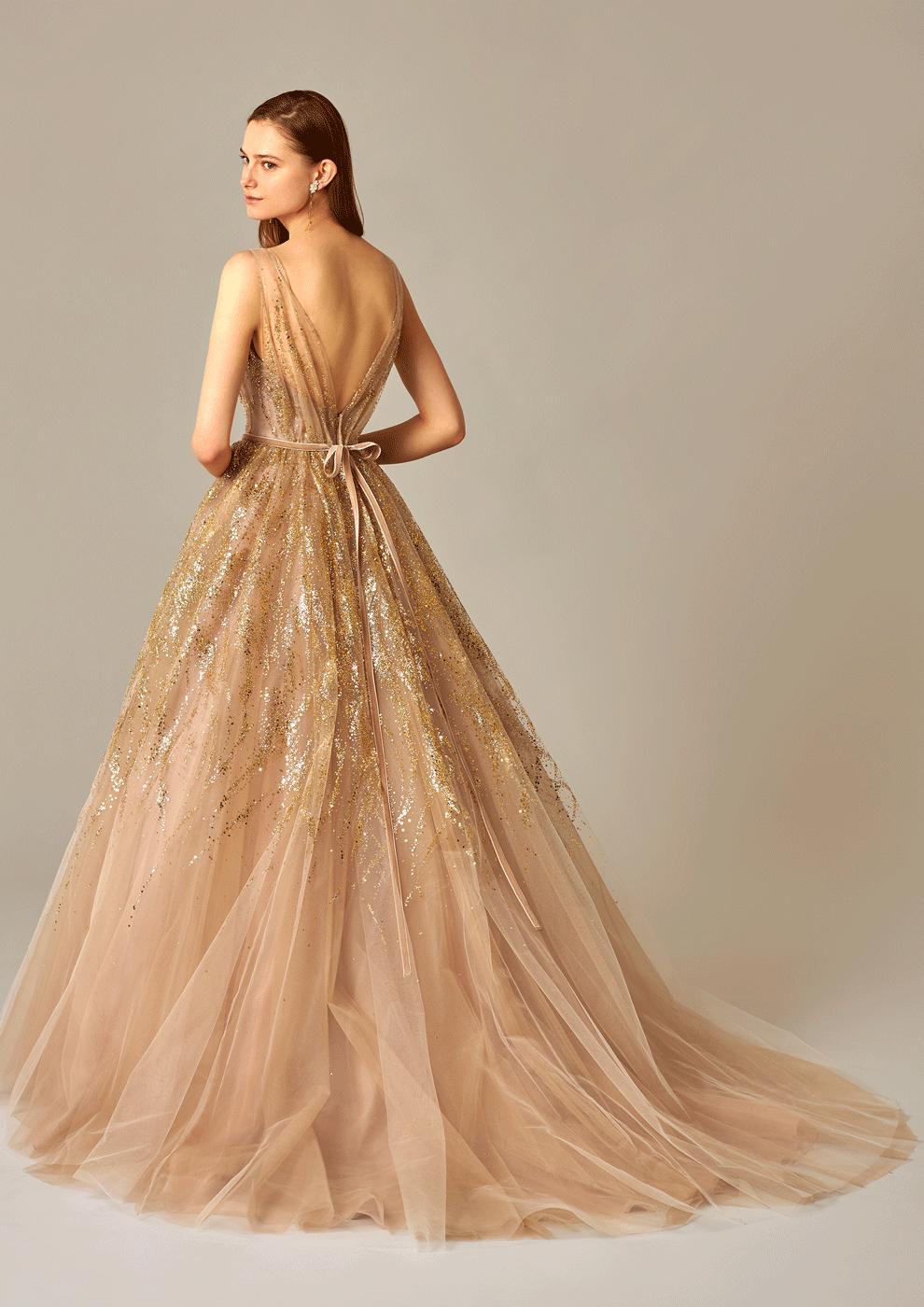 背中あきのウェディングドレス