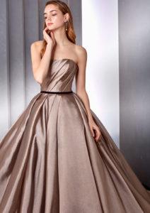 シンプルウェディングドレス